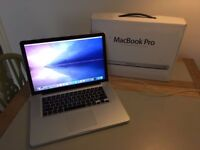 Mac Book Pro 15 inch - 8GB Ram - 2.4 GHz Intel Core i7