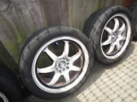 """CALIBRE 17"""" pro 7 ALLOY WHEELS x 2. White with black lining."""