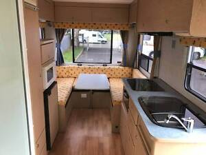 2003 Winnebago 4 Berth Motorhome, Excellent Condition North Narrabeen Pittwater Area Preview