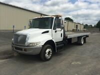 2005 International Tow Truck at Auction