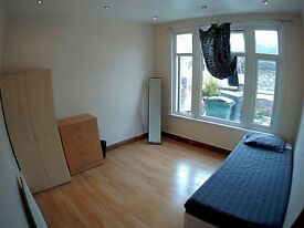 Big single room in Leyton
