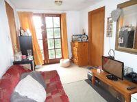 1 Bedroom Flat in Oaktree House, North Ealing W5