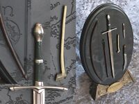 SIDESHOW WETA/ LORD OF THE RINGS WEAPONS COLLECTION – NEVER DISPLAYED!