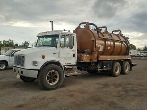 1999 Freightliner FL80 T/A Vacuum Truck at Auction
