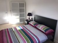 SPACIOUS STUNNING DOUBLE ROOM IN COLINDALE. 1 MINUTE WALK TO COLINDALE STATION