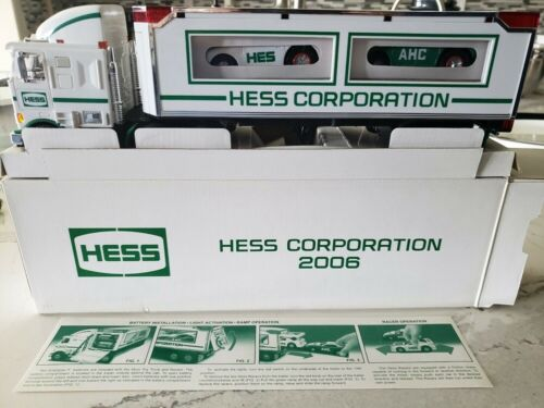 HESS* 2006* NYSE* HESS* TRUCK* WITH* RACERS* RARE* ULTRA* MINT* WORKING* LIGHT*