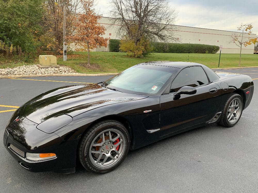 2002 Black Chevrolet Corvette Z06  | C5 Corvette Photo 2