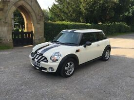 MINI HATCH ONE (white) 2009