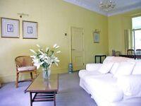 1 bedroom flat in Girdlers Road, Kensington Olympia, London W14