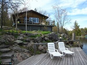 Private Lakefront Cottage on Stoney Lake - The Pines Cottage
