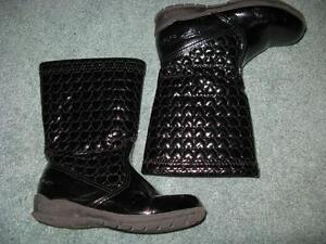 Little Girls Fall/Winter Shoes Size 10 Sarnia Sarnia Area image 3