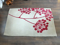 All 100% Wool Rug Carpet Cream and Burgundy Colour 5ft 6in by 4ft Living Room Bedroom Good Condition
