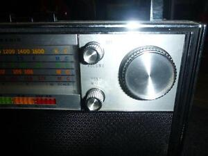Candle Solid State 18 Transistor Radio 5-Band AM/FM/MB/SW/VHF West Island Greater Montréal image 4