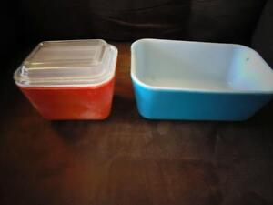 2 Little Pyrex Dishes