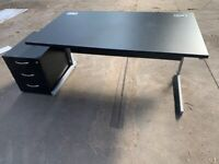 1600mm x 800mm black office desk with drawer unit inc key
