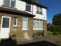 3 Bedroom House Located In South Ealing only 2 mins to South Ealing Tube