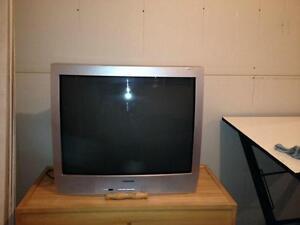 Tv quipement lectronique dans drummondville petites for Meuble tv drummondville
