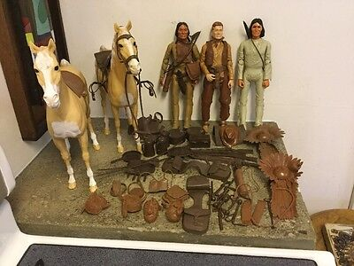 HUGE VINTAGE LOT JOHNNY WEST INDIANS HORSES ACCESSORIES ACTION FIGURES WESTERN