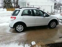 2013 Suzuki SX4 Tech Pkg  Hatchback