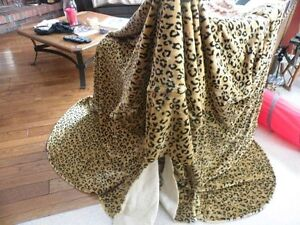 Leopard Print large chair or small love seat cover Kawartha Lakes Peterborough Area image 1