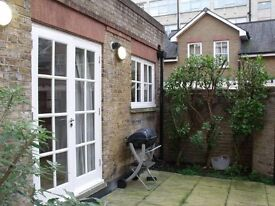1 Bedroom Flat in Three Cup Yard, Snadland Street, Holborn WC1R
