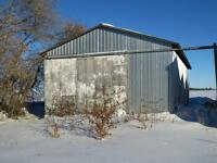 Country house on 11 acres with outbuildings for rent