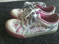GIRLS SIZE 11 KEDS SHOES
