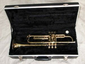 Trumpet for students, NEW, never played VERY NICE!!!