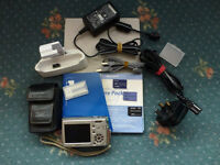 Sony Cyber-Shot DSC-T33 Digital Camera 5 MP complete with 3 memory cards all boxed