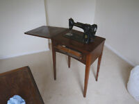 Singer sewing table and sewing machine