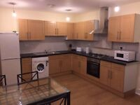 ALL BILLS INCLUSIVE, FREE WIFI, TWIN ROOM 2 MINUTES WALKING FROM CLAPHAM NORTH TUBE