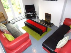 STUDENT HOUSE 1ST JULY 17 3 BED HOUSE BEVERLEY RD FALLOWFIELD FREE INTERNET INC £70 x 3 PER WEEK