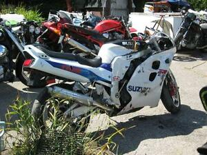 1996 gsxr-1100 parts bike London Ontario image 1