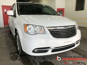 2015 Chrysler Town & Country TOURING - V6- 7 PASS