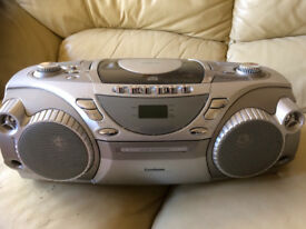 PORTABLE CD/CASSETTE/RADIO PLAYER - GOODMANS