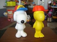 2 KID'S SNOOPY PLASTIC CUPS/TOYS