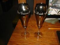 2 BEAUTIFUL BLACK GLASS WEDDING GLASSES/BRIDE & GROOM GLASSES
