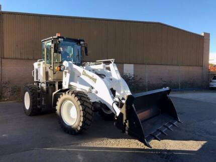Champion CL72TC Loader/Tool Carrier