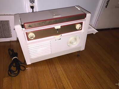 """Slide Projector Vintage Tower/Sears """"Seventy-Five"""" Excellent Clean W Good Bulb"""