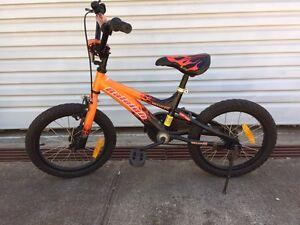 Boys 16 inch bike Essendon West Moonee Valley Preview
