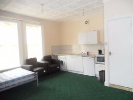 Spacious Studio Flat to LET in the Heart of East Ham Available NOW!!!