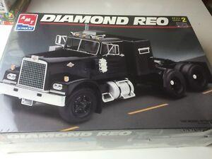 Amt Ertl 1/25 8137 Diamond Reo Truck Bnib Sealed Vintage Model Kit