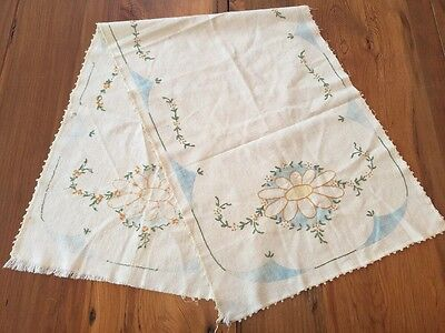 Ant. Embroidery Table Runner Arts Crafts Royal Society Tinted Daisies Unfinished