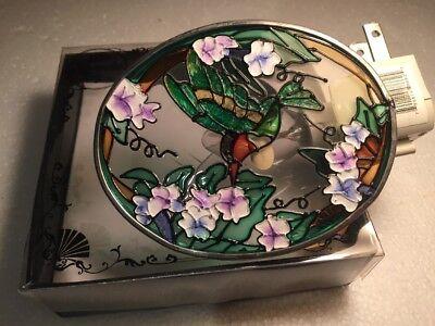 Chesapeake Bay LTD hummingbird Night Light-flower-leaves Beautiful