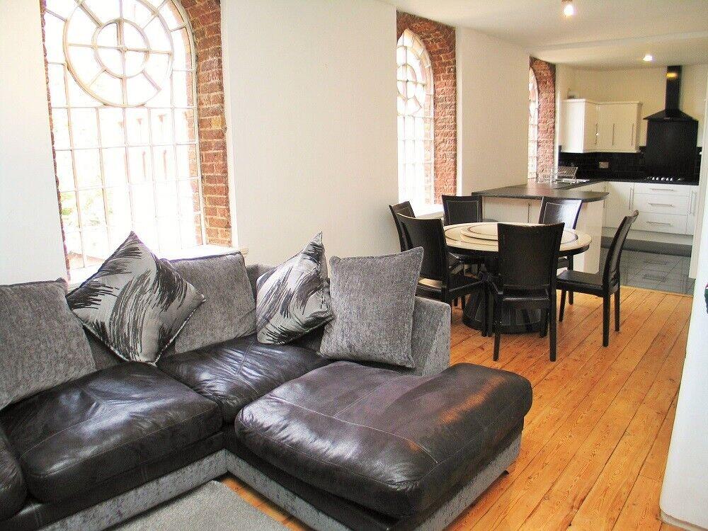 3 bedroom flat in Osterley Gardens, Norwood Green, Nr ...