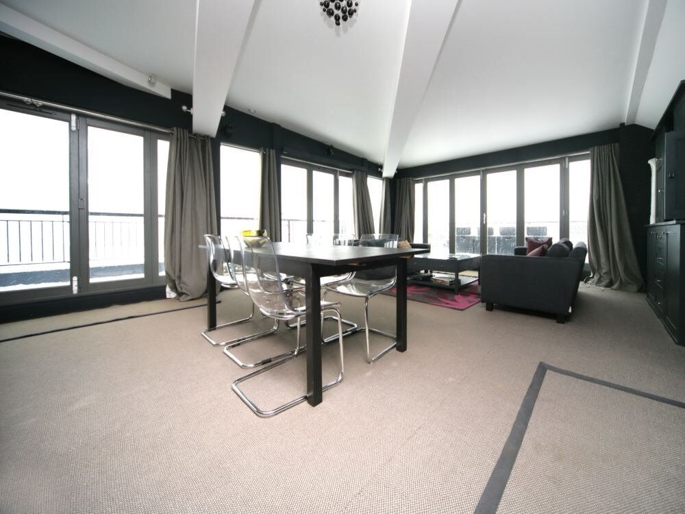 ( 1 ) One bedroom Penthouse in The Colourhouse, Tower Bridge / Southwark SHORT LETS ONLY, SE1 £900pw