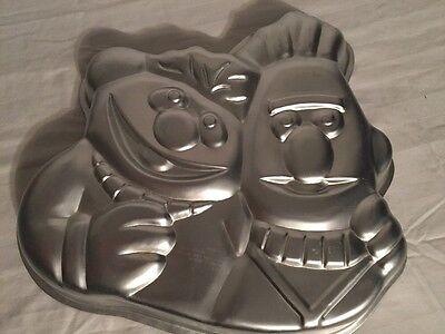 Wilton Party Pan Ernie & Bert Cake Sesame Street Birthday Theme 502-7423 Metal - Sesame Street Birthday Party Theme