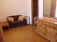 1 Bedroom Flat in Oaktree House, North Ealing, W5