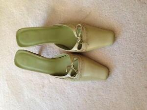 Coach Shoes! Near new size 7