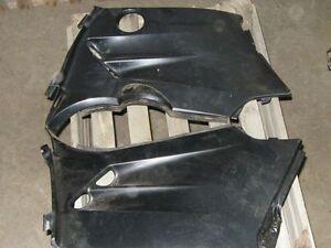 Panneau de cote pour cache moteur Kodiak